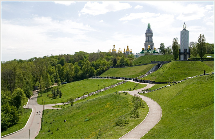 Парк Вечной Славы и Печерский ландшафтный парк