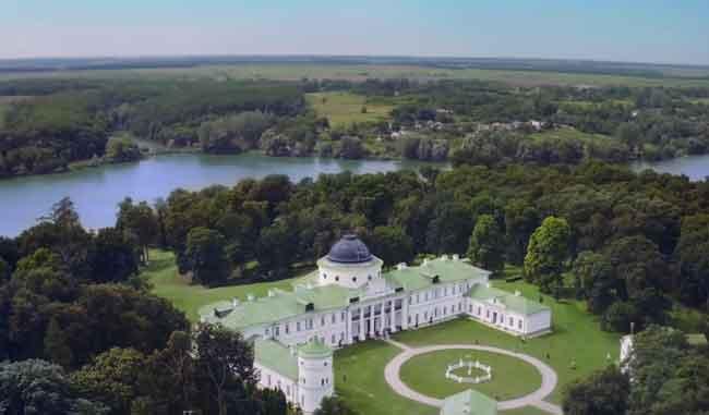 Архитектура и парк качановского комплекса