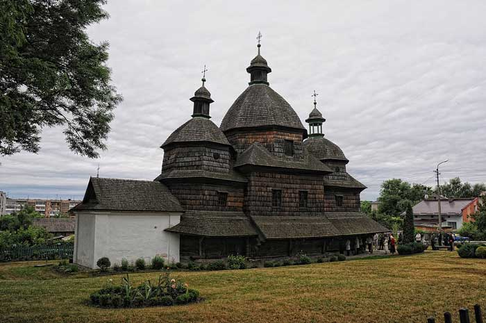 Церковь Святой Троицы, Жолква