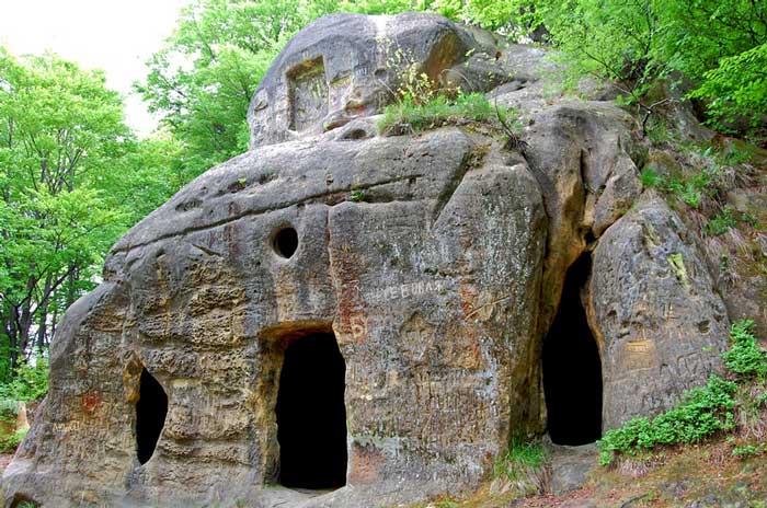 Пещерный монастырь, Рожирче